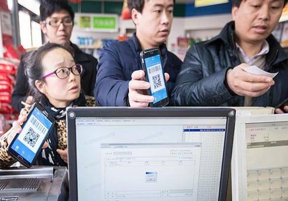 Ông Trump ký sắc lệnh cấm Alipay và một loạt ứng dụng, dân mạng Trung Quốc giận dữ - Ảnh 1.