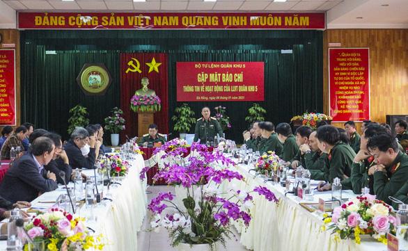 Quân khu 5 tặng bằng khen cho báo Tuổi Trẻ - Ảnh 1.