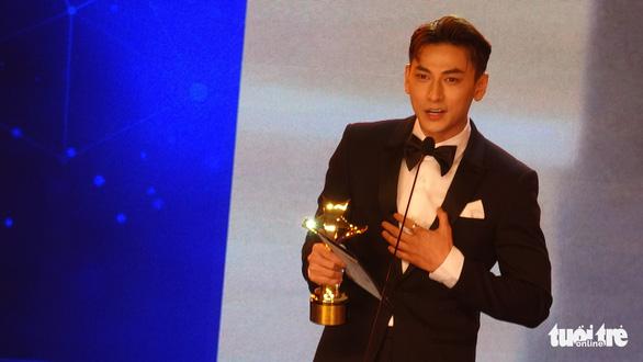 'Gái già lắm chiêu' lại đại thắng giải thưởng Ngôi sao xanh 2020 - Ảnh 2.