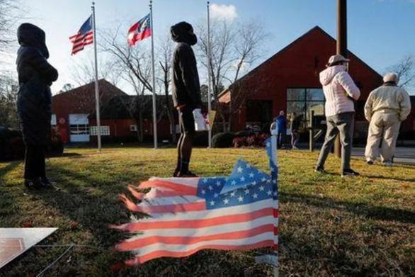 رای دهندگان در جورجیا به وقت اضافی می روند - عکس 1.