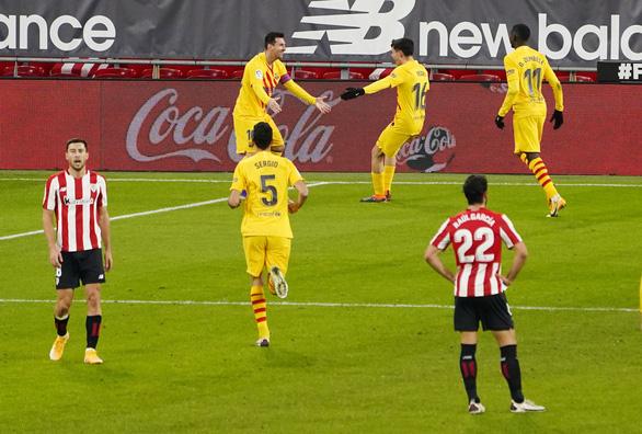 Barcelona thắng ngược Athletic Bilbao nhờ cú đúp của Messi - Ảnh 2.