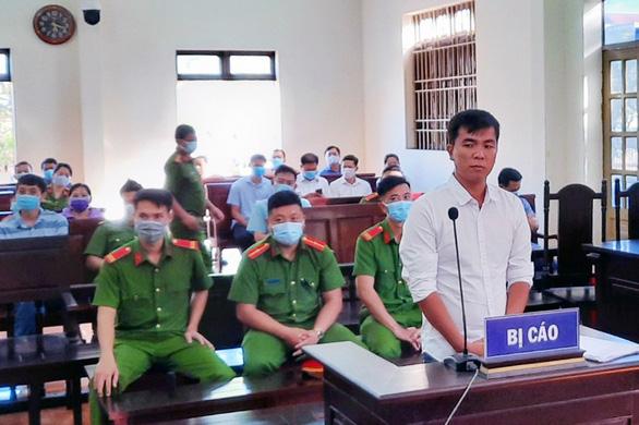 Livestream nói xấu lãnh đạo, nam thanh niên bị tuyên 1 năm tù giam - Ảnh 1.