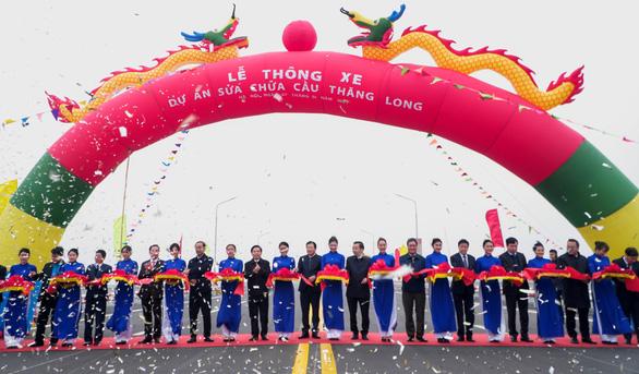 Cầu Thăng Long thông xe sau hơn 4 tháng sửa chữa - Ảnh 1.