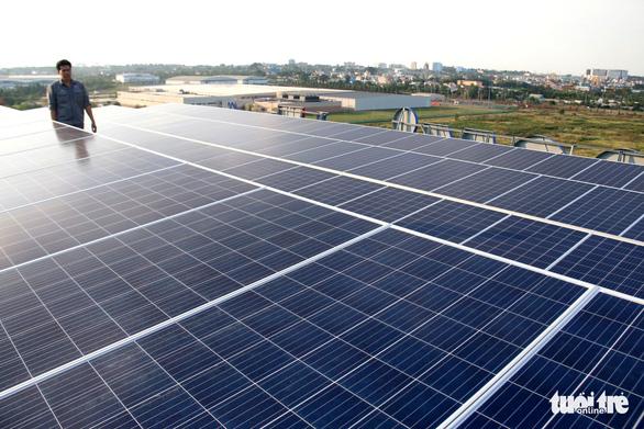 Dân TP.HCM vẫn được lắp côngtơ 2 chiều điện mặt trời - Ảnh 1.