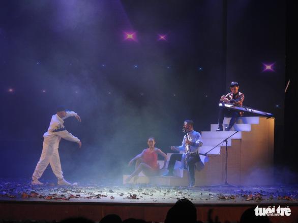 Vinh danh hơn 60 nghệ sĩ biểu diễn tiêu biểu năm 2020 - Ảnh 4.