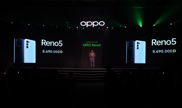 Ấn tượng với 21.000 đơn đặt hàng của OPPO Reno5 - Ảnh 1.