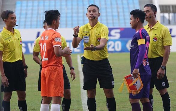Trọng tài FIFA Ngô Duy Lân bắt chính trận tranh Siêu cúp quốc gia 2020 - Ảnh 1.