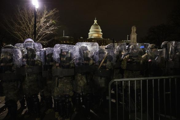 Ai kích động bạo lực ở tòa nhà Quốc hội Mỹ? - Ảnh 2.