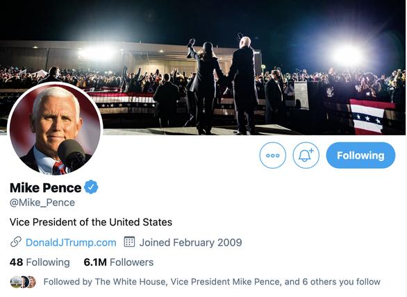Phó tổng thống Mike Pence thay ảnh Twitter là ảnh cặp đôi Biden - Harris - Ảnh 1.