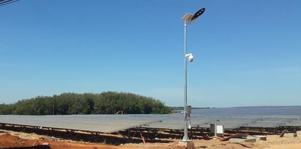 Thủy điện Thác Mơ đưa nhà máy điện mặt trời 820 tỉ đồng vào khai thác - Ảnh 1.