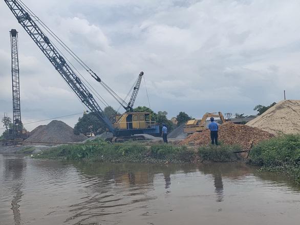TP.HCM yêu cầu xử lý triệt để 57 bến thủy hoạt động trên sông rạch trái phép - Ảnh 1.