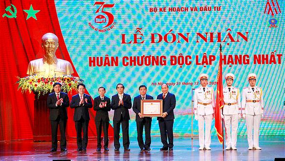 'Đến năm 2025 phải nối được toàn bộ tuyến cao tốc từ Lạng Sơn đến Cà Mau' - Ảnh 1.