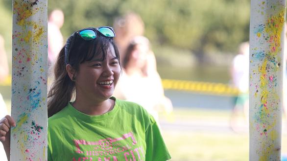 Cô gái Việt trong hội đồng thành phố ở New Zealand - Ảnh 1.