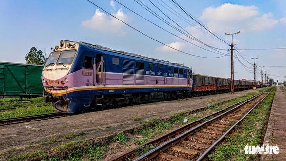 Ngành đường sắt lo mất sạch 3.250 tỉ vốn chủ sở hữu - Ảnh 1.
