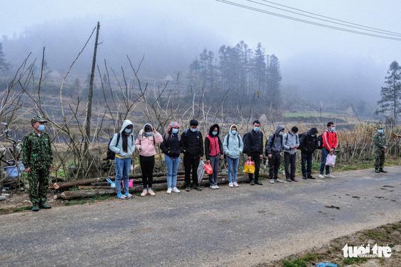 Trước tết, lắp đặt 30 điểm camera giám sát trên tuyến biên giới Hà Giang - Ảnh 3.