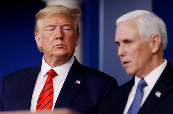 Phó tổng thống Mike Pence giận dữ chưa từng thấy khi mắc kẹt trong Điện Capitol - Ảnh 1.