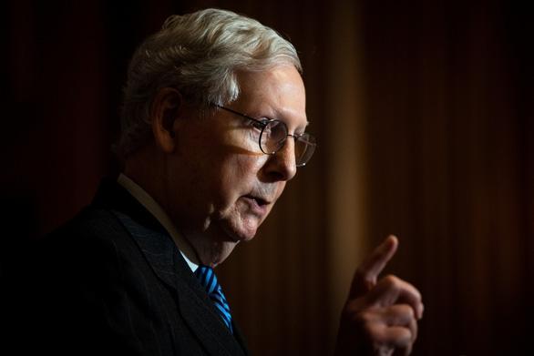 Thượng viện khó luận tội ông Trump đến khi ông Biden nhậm chức - Ảnh 1.