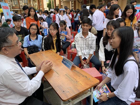 PGS.TS Huỳnh Thanh Hùng làm quyền hiệu trưởng ĐH Nông lâm TP.HCM - Ảnh 2.