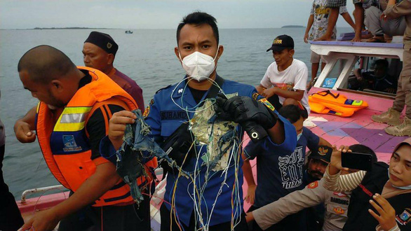 داغ: اندونزی تأیید کرده است که هواپیمای حامل 62 نفر دچار مشکل شده است ، تماس قطع شده است - عکس 2.