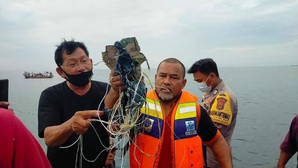 داغ: اندونزی تأیید کرده است که هواپیمای 62 نفر سقوط کرده و ارتباط خود را قطع کرده است - عکس 1.