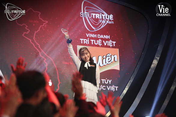 Coi tập 8 siêu trí tuệ Việt Nam, giám khảo Tóc Tiên: Chơi vậy ai chơi được - Ảnh 10.