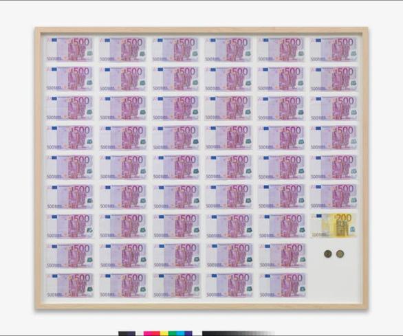 Bức tranh giá 84.000 USD ở bảo tàng là khung tranh trắng với dòng chữ: Ôm tiền và biến - Ảnh 2.