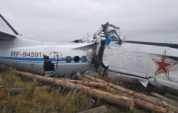 Máy bay rơi ở Nga, 15 người chết - Ảnh 2.