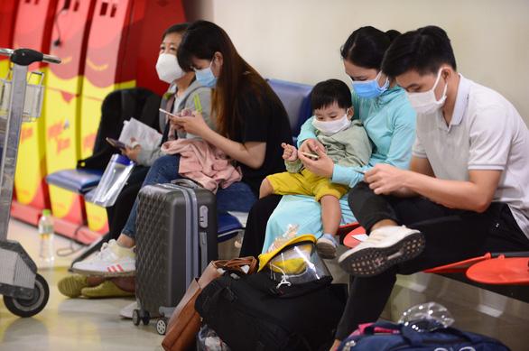 Đà Nẵng nói không nhận được thông tin chuyến bay Vietjet từ TP.HCM về trưa 10-10 - Ảnh 1.