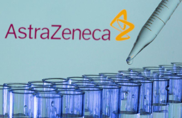 Thuốc trị COVID-19 của AstraZeneca giảm 50% nguy cơ tử vong, bệnh nặng - Ảnh 1.