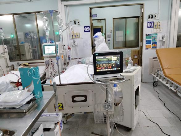 Cơ quan chức năng điều tra vụ nhiều người ngộ độc rượu methanol - Ảnh 1.