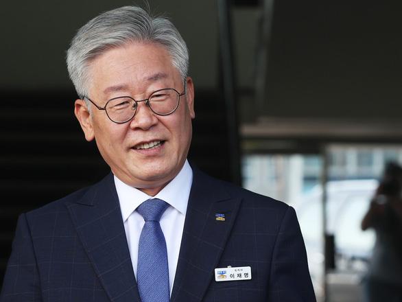 Hàn Quốc: Con trai nữ công nhân vệ sinh trở thành ứng viên tổng thống - Ảnh 1.