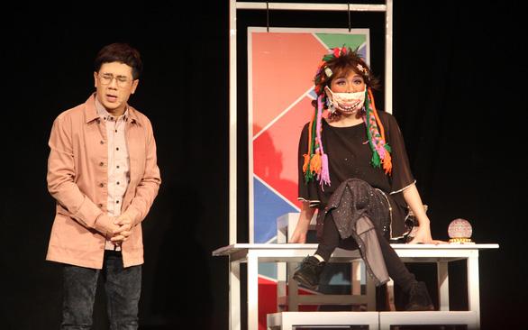 Sân khấu trước nguy cơ chia tay khán giả - Ảnh 1.