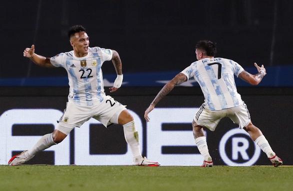 Messi bất ngờ ra sân và ghi bàn giúp Argentina giành 3 điểm - Ảnh 3.