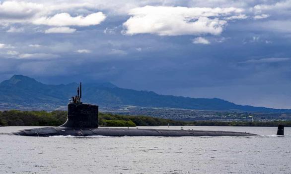 Mỹ bắt vợ chồng kỹ sư hải quân bán bí mật tàu ngầm hạt nhân - Ảnh 1.