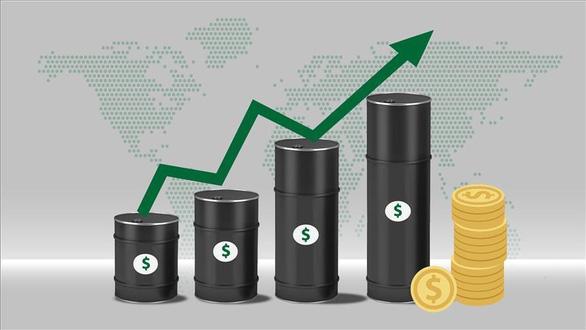 Giá dầu thế giới vọt tăng cao nhất trong nhiều năm - Ảnh 1.
