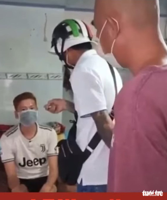 Đề nghị xử phạt nhóm đến nhà tát người, quay video tung lên mạng - Ảnh 2.