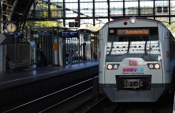 Đức hé lộ xe lửa không người lái, đúng giờ hơn có người lái - Ảnh 1.