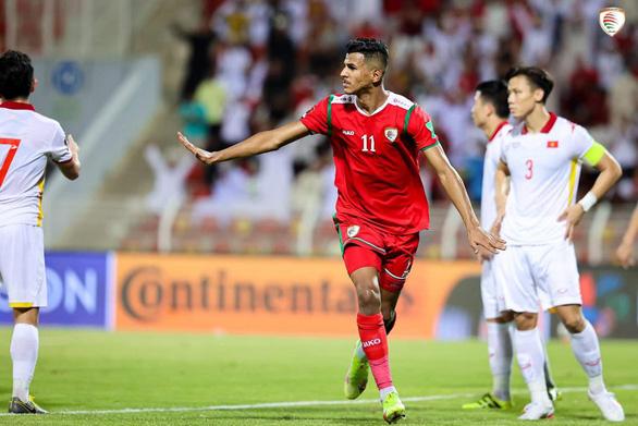 Bị thổi 2 quả 11m, Việt Nam thua Oman 1-3 ở vòng loại World Cup 2022 - Ảnh 1.