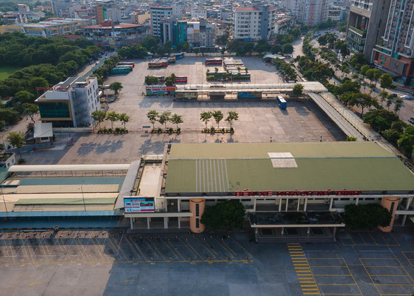 Tin sáng 13-10: Đề nghị cho xe khách từ Hà Nội, TP.HCM chạy lại; vắc xin trẻ em sắp về - Ảnh 1.