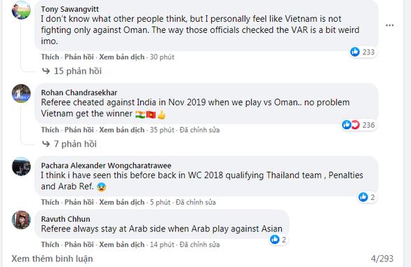 Cổ động viên châu Á: bất thường cách các trọng tài kiểm tra VAR với tuyển Việt Nam - Ảnh 1.