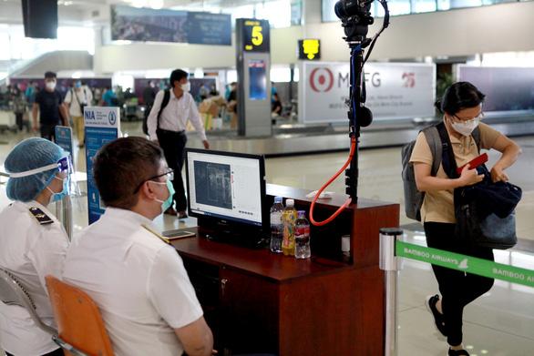 Mở thêm 2 đường bay chở khách Hà Nội - Điện Biên và TP.HCM - Cà Mau - Ảnh 1.