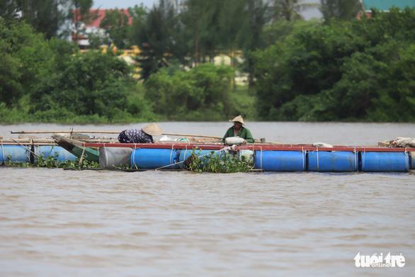 Bắc Trung Bộ cấp tập chống bão số 8, hỗ trợ người dân trên đường hồi hương - Ảnh 3.