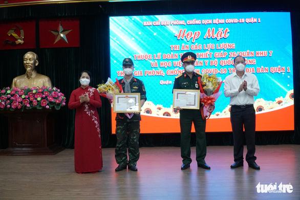 Phó Bí thư Nguyễn Hồ Hải: 'TP.HCM mang ơn các lực lượng hỗ trợ' - Ảnh 1.