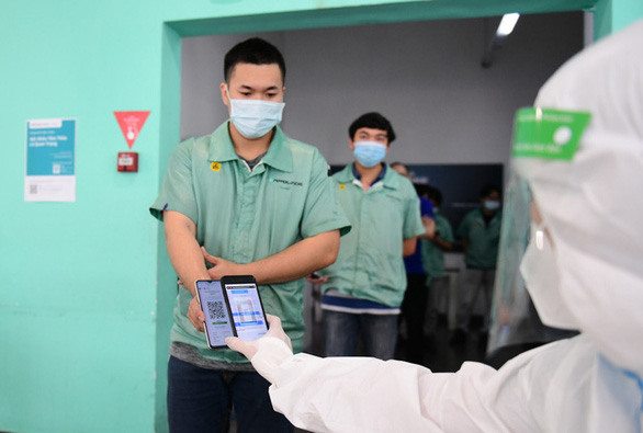 Hàng nghìn công nhân xét nghiệm COVID-19 bằng công nghệ QR Code - Ảnh 5.