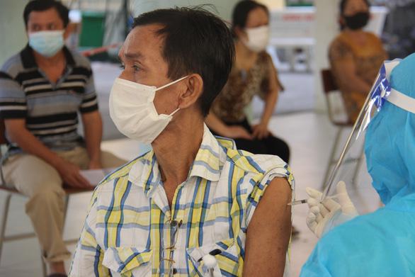 Bí thư Cần Thơ: Cố gắng 100% dân số được tiêm vắc xin mũi 1 trong tháng 10 - Ảnh 1.