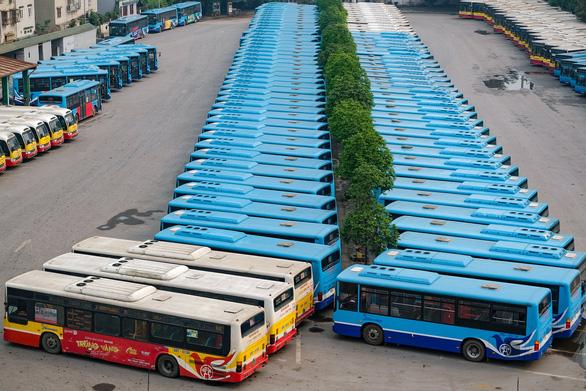 Hà Nội: Xe buýt, taxi, xe công nghệ dưới 9 chỗ chạy lại từ 6h ngày 14-10 - Ảnh 1.