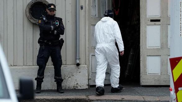 Na Uy: Kẻ tấn công bằng tên từng trong tầm ngắm của cảnh sát - Ảnh 1.