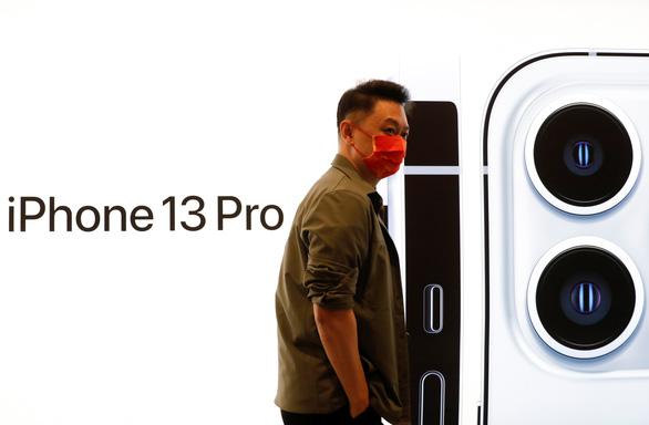 Apple, hãng ôtô khóc ròng vì thiếu chip - Ảnh 1.