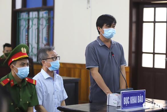 Tiếp tục dừng phiên tòa xét xử các bị cáo liên quan dự án trại bò Bình Hà - Ảnh 2.