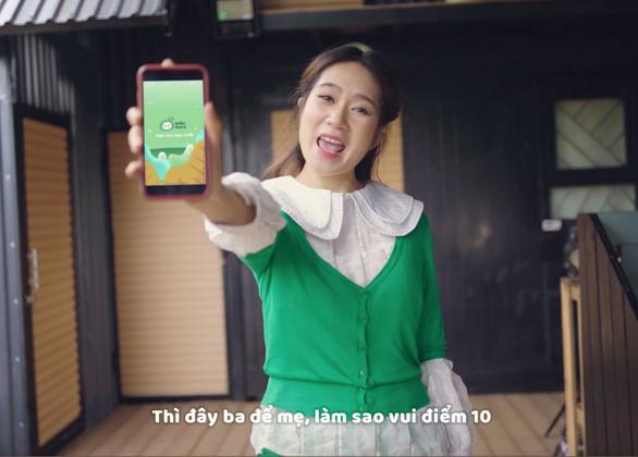 Lý Hải - Minh Hà lấy chuyện học online của các con làm MV - Ảnh 1.